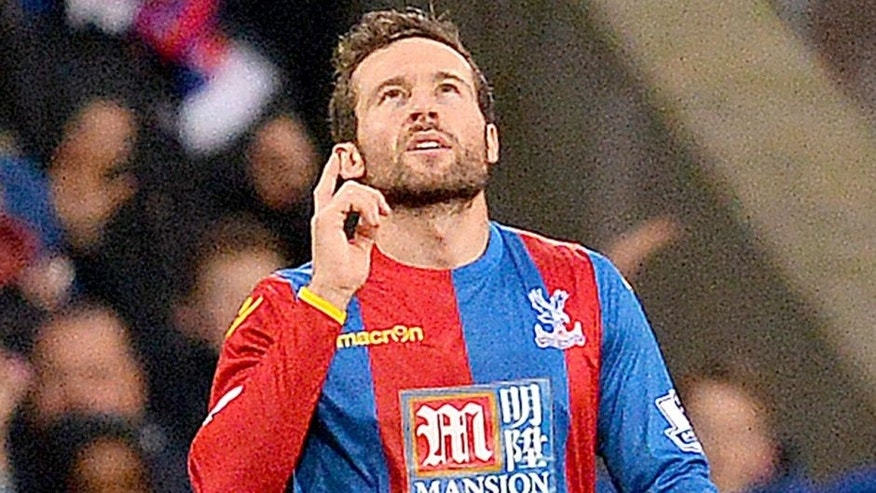 Crystal Palace's French midfielder Yohan Cabaye celebrates scoring his team's first goal during the English Premier League football match between Crystal Palace and Southampton at Selhurst Park in south London on December 12, 2015. AFP PHOTO / GLYN KIRK RESTRICTED TO EDITORIAL USE. No use with unauthorized audio, video, data, fixture lists, club/league logos or 'live' services. Online in-match use limited to 75 images, no video emulation. No use in betting, games or single club/league/player publications. / AFP / GLYN KIRK (Photo credit should read GLYN KIRK/AFP/Getty Images)