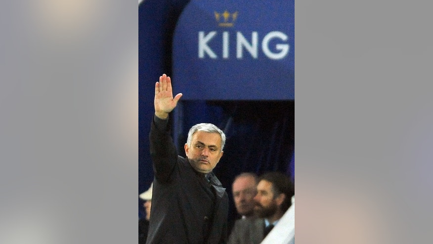 Chelsea manager Jose Mourinho gestures to players during the English Premier League soccer match between Leicester City and Chelsea at the King Power Stadium in Leicester, England, Monday, Dec. 14, 2015. Leicester won the match 2-1. (AP Photo/Rui Vieira)