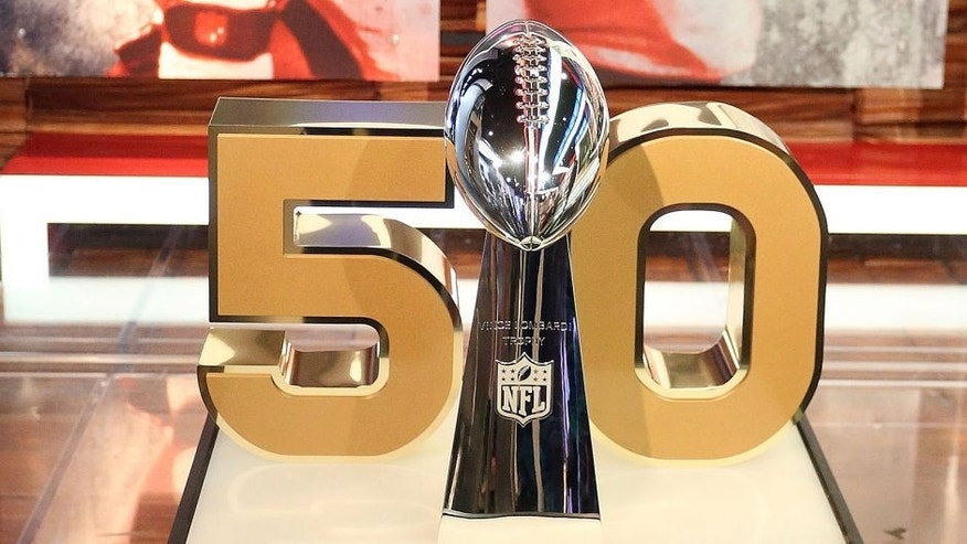 <p>CULVER CITY, CA - SEPTEMBER 09: The Super Bowl trophy on display during the NFL Media Event, the day before Kickoff to the 2015 Season on September 9, 2015 in Culver City, California. (Photo by Frederick M. Brown/Getty Images)</p>