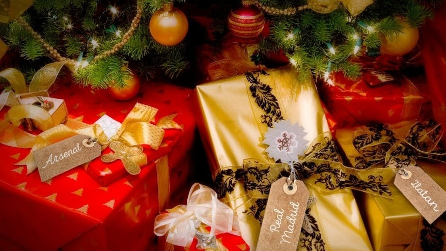 TREE+PRESENTS: Purestock/ThinkStock TAGS: LiliGraphie/ThinkStock