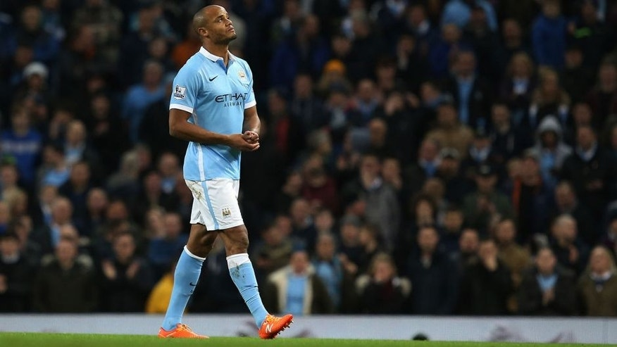 MANCHESTER, ENGLAND - DECEMBER 26: The injured Vincent Kompany of Manchester City walks off the pitch after only just coming on as a second half substitute during the Barclays Premier League match between Manchester City and Sunderland at the Etihad Stadium on December 26, 2015 in Manchester, England. (Photo by Jan Kruger/Getty Images)