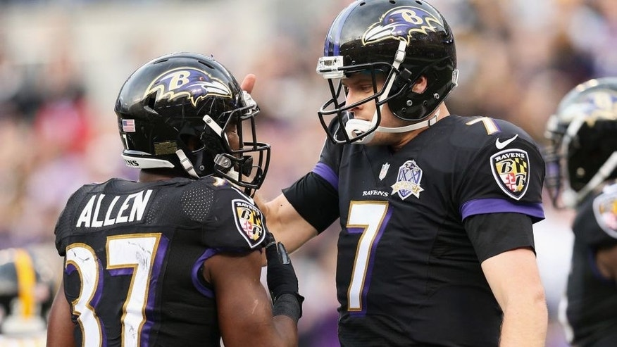 BALTIMORE, MD - DECEMBER 27: Ryan Mallett #7 of the Baltimore Ravens congratulates Javorius Allen #37 after he scored a touchdown against the Pittsburgh Steelers at M&T Bank Stadium on December 27, 2015 in Baltimore, Maryland. (Photo by Patrick Smith/Getty Images)
