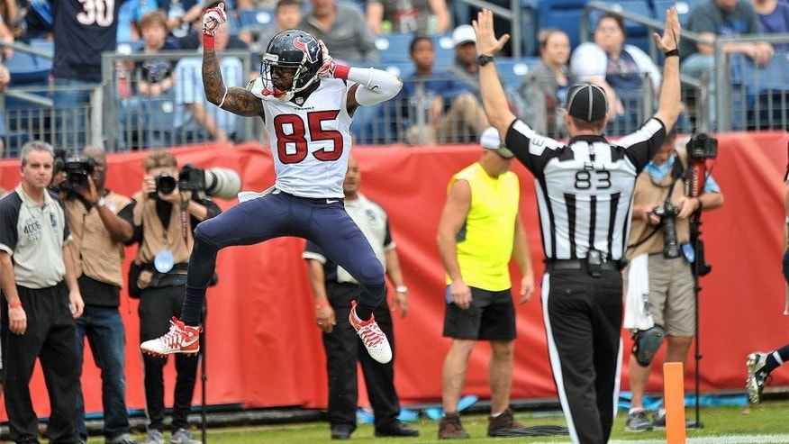 Dec 27, 2015; Nashville, TN, USA; Houston Texans wide receiver Nate Washington (85) celebrates scoring a touchdown against the Tennessee Titans during the second half at Nissan Stadium. Houston won 34-6. Mandatory Credit: Jim Brown-USA TODAY Sports