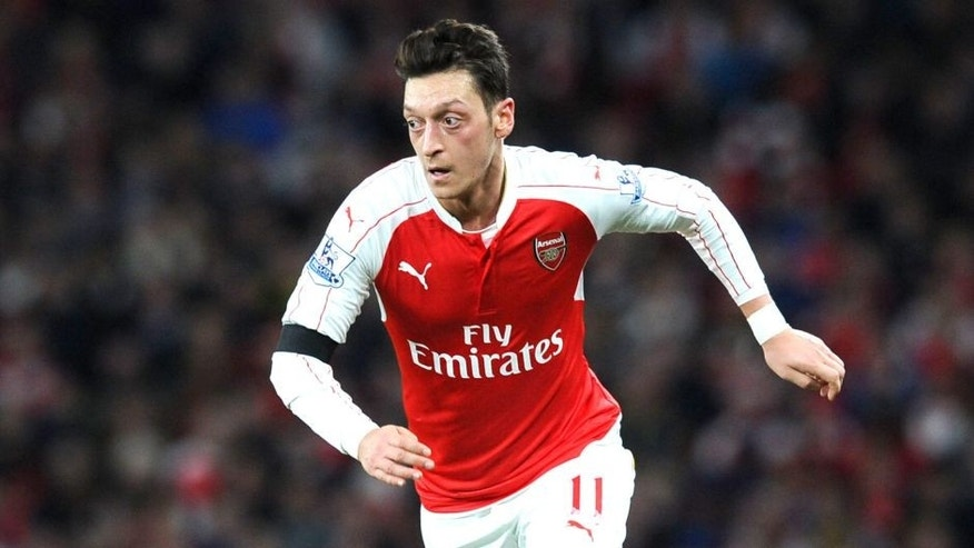 LONDON, ENGLAND - DECEMBER 28: Mesut Ozil of Arsenal during the Barclays Premier League match between Arsenal and A.F.C. Bournemouth at Emirates Stadium on December 28, 2015 in London, England. (Photo by Stuart MacFarlane/Arsenal FC via Getty Images)