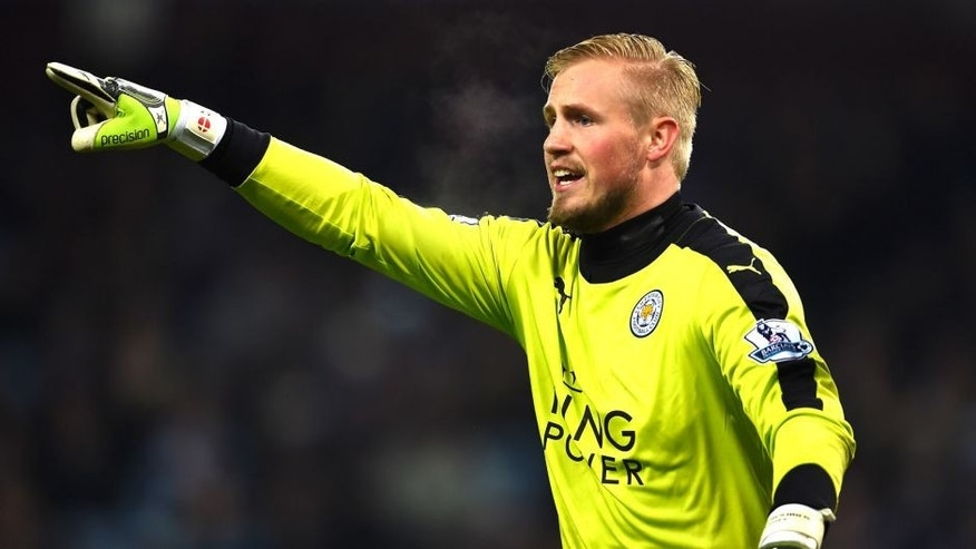BIRMINGHAM, ENGLAND - JANUARY 16: Kasper Schmeichel of Leicester City in action during the Barclays Premier League match between Aston Villa and Leicester City at The King Power Stadium on January 16, 2016 in Birmingham, England. (Photo by Laurence Griffiths/Getty Images)
