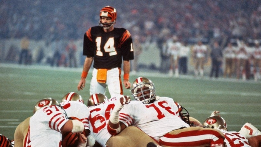 PONTIAC, MI - JANUARY 24: The San Francisco 49ers goal line defense in action against the Cincinnati Bengals during Super Bowl XVI on January 24, 1982 at the Silverdome in Pontiac, Michigan. The Niners won the Super Bowl 26 -21. (Photo by Focus on Sport/Getty Images) *** Local Caption ***