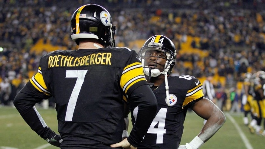 PITTSBURGH, PA - JANUARY 03: Ben Roethlisberger #7 speaks with Antonio Brown #84 of the Pittsburgh Steelers on the bench in the fourth quarter against the Baltimore Ravens during their AFC Wild Card game at Heinz Field on January 3, 2015 in Pittsburgh, Pennsylvania. (Photo by Justin K. Aller/Getty Images)
