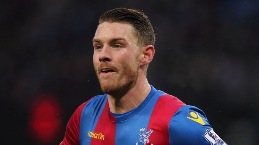 MANCHESTER, ENGLAND - JANUARY 16: Connor Wickham of Crystal Palace during the Barclays Premier League match between Manchester City and Crystal Palace at the Etihad Stadium on January 16, 2016 in Manchester, England. (Photo by Matthew Ashton - AMA/Getty Images)