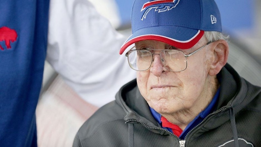 ORCHARD PARK, NY - SEPTEMBER 13: Former NFL Head Coach Buddy Ryan watches the Buffalo Bills and the Indianapolis Colts warm up before the game at Ralph Wilson Stadium on September 13, 2015 in Orchard Park, New York. (Photo by Brett Carlsen/Getty Images)