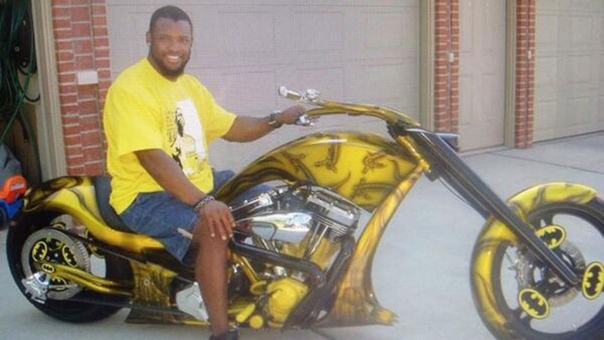 """<p>""""I also own a BATMOBILE and a BATCHOPPER!! Doesn't that look AWESOME! #ReasonsWhyAhmanGreenShouldBeBatman""""</p>"""
