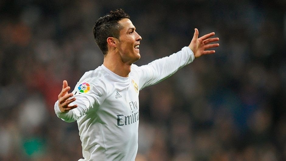 MADRID, SPAIN - JANUARY 31: Cristiano Ronaldo of Real Madrid celebrates after scoring Real's 4th goal during the La Liga match between Real Madrid CF and Real CD Espanyol at Estadio Santiago Bernabeu on January 31, 2016 in Madrid, Spain. (Photo by Denis Doyle/Getty Images)