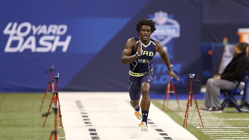 INDIANAPOLIS, IN - FEBRUARY 23: Former Kent State running back Dri Archer runs the 40-yard dash during the 2014 NFL Combine at Lucas Oil Stadium on February 23, 2014 in Indianapolis, Indiana. (Photo by Joe Robbins/Getty Images) *** Local Caption *** Dri Archer