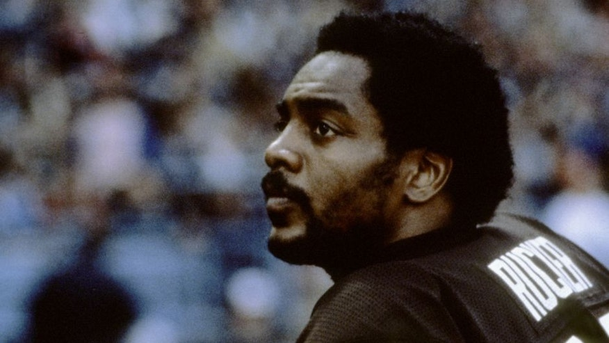 Cleveland Browns wide receiver Reggie Rucker (33) during the Browns 30-24 overtime victory over the Miami Dolphins on November 18, 1979 at Cleveland Municipal Stadium in Cleveland, Ohio. (Photo by Dennis Collins/Getty Images) *** Local Caption ***