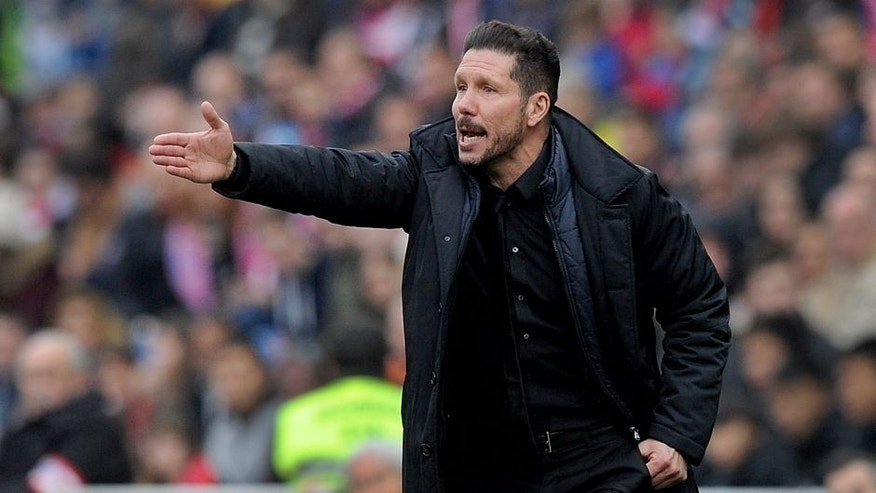 MADRID, SPAIN - FEBRUARY 06: Manager Diego Simeone of Club Atletico de Madrid directs team during the La Liga match between Club Atletico de Madrid and SD Eibar at Vicente Calderon Stadium on February 6, 2016 in Madrid, Spain. (Photo by Denis Doyle/Getty Images)