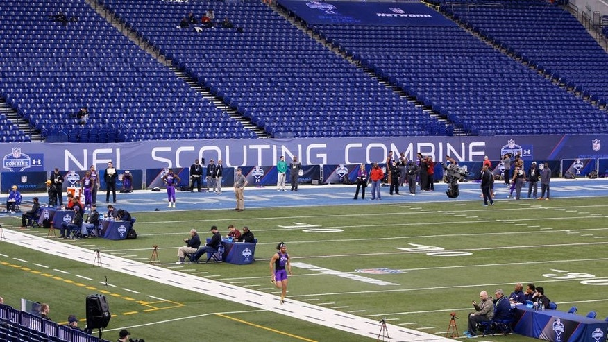 INDIANAPOLIS, IN - FEBRUARY 23: General view from above as activity takes place on the field during the 2015 NFL Scouting Combine at Lucas Oil Stadium on February 23, 2015 in Indianapolis, Indiana. (Photo by Joe Robbins/Getty Images)