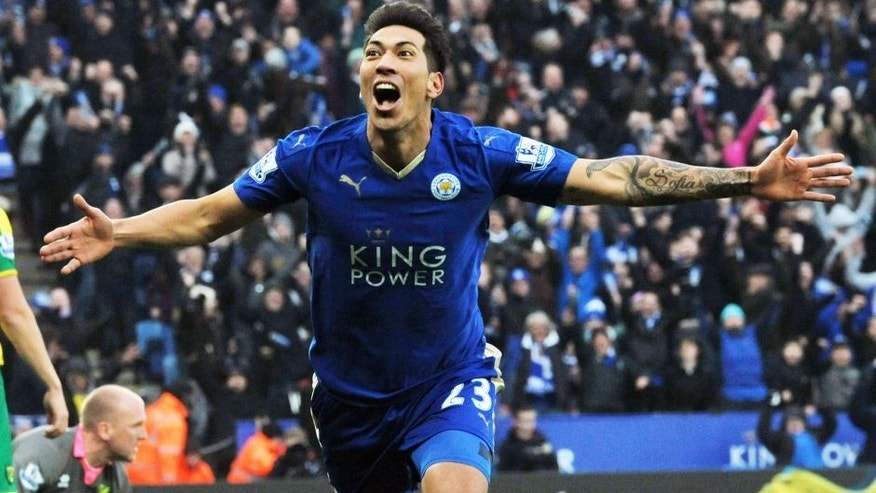 LEICESTER, ENGLAND - FEBRUARY 27 : Leonardo Ulloa of Leicester City celebrates after scoring to make it 1-0 during the Barclays Premier League match between Leicester City and Norwich City at the King Power Stadium on February 27 , 2016 in Leicester, United Kingdom. (Photo by Plumb Images/Leicester City FC via Getty Images)