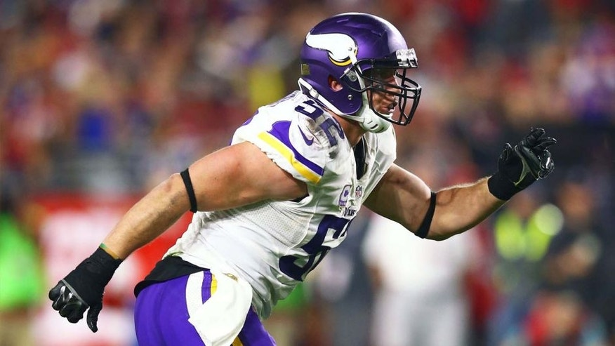 Minnesota Vikings linebacker Chad Greenway runs against the Arizona Cardinals at University of Phoenix Stadium in Glendale, Ariz., on Dec. 10, 2015.