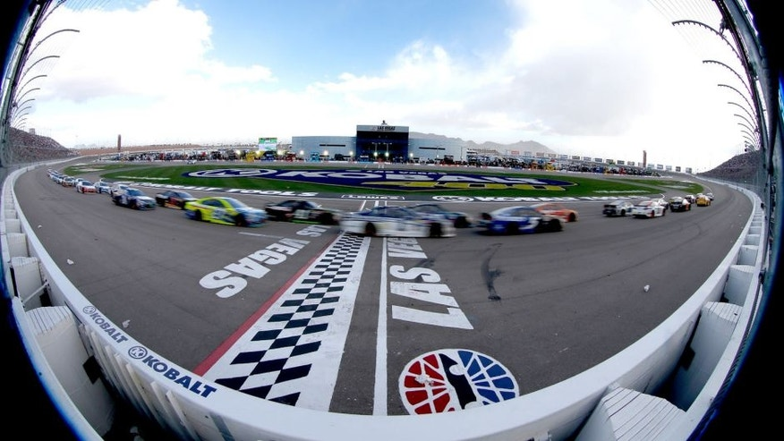 LAS VEGAS, NV - MARCH 06: A view of race action during the NASCAR Sprint Cup Series Kobalt 400 at Las Vegas Motor Speedway on March 6, 2016 in Las Vegas, Nevada. (Photo by Todd Warshaw/Getty Images)