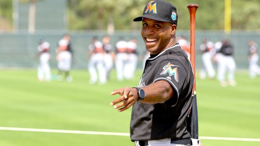 JUPITER, FL - FEBRUARY 23: New hitting coach Barry Bonds #25 of the Miami Marlins during a team workout on February 23, 2016 in Jupiter, Florida. (Photo by Rob Foldy/Getty Images)