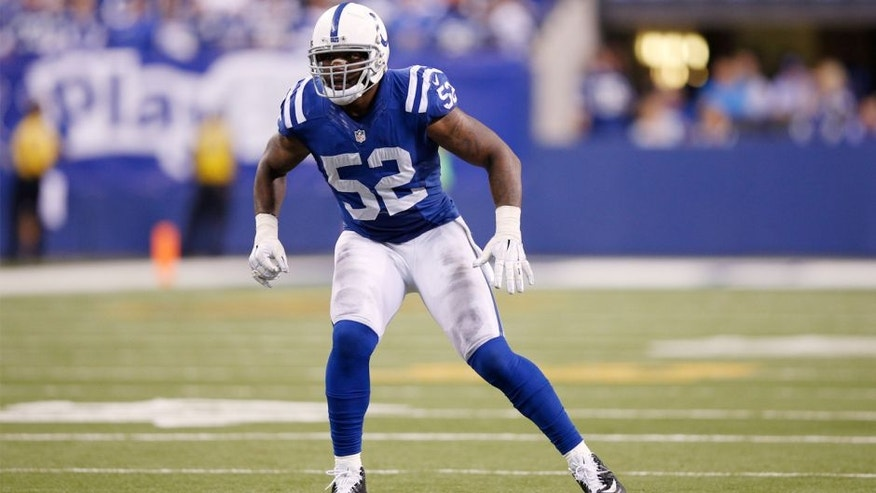 D'Qwell Jackson #52 of the Indianapolis Colts in action against the Tampa Bay Buccaneers during the game at Lucas Oil Stadium on November 29, 2015 in Indianapolis, Indiana. The Colts defeated the Bucs 25-12. (Photo by Joe Robbins/Getty Images)