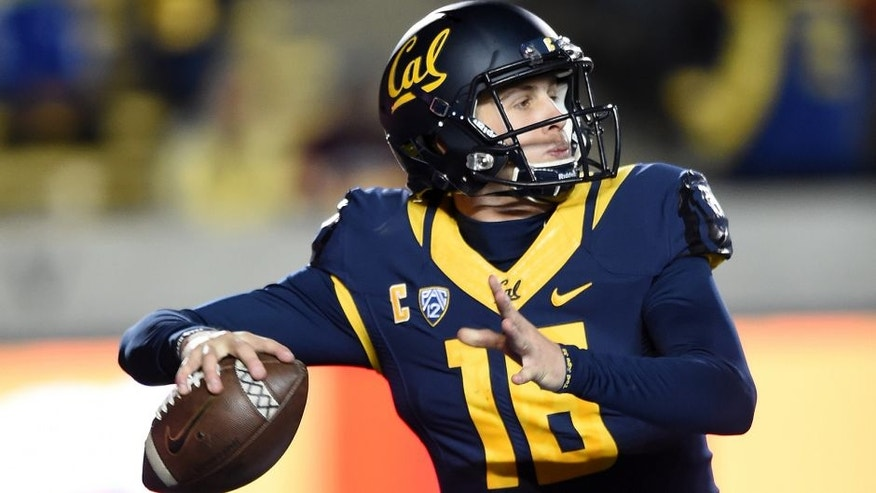 BERKELEY, CA - NOVEMBER 28: Jared Goff #16 of the California Golden Bears drops back to pass against the Arizona State Sun Devils during the second half of their NCAA football game at California Memorial Stadium on November 28, 2015 in Berkeley, California. (Photo by Thearon W. Henderson/Getty Images)
