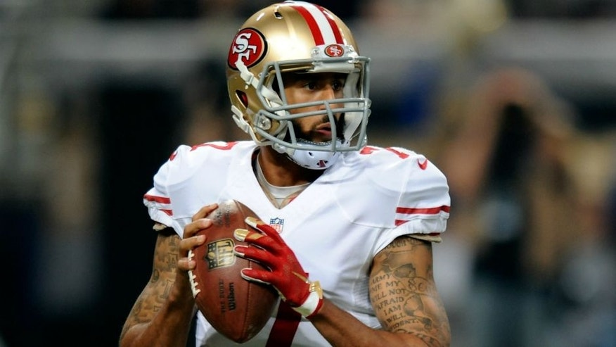 ST. LOUIS, MO - NOVEMBER 1: Colin Kaepernick #7 of the San Francisco 49ers looks to pass against the St. Louis Rams in the first quarter at the Edward Jones Dome on November 1, 2015 in St. Louis, Missouri. (Photo by Michael B. Thomas/Getty Images)