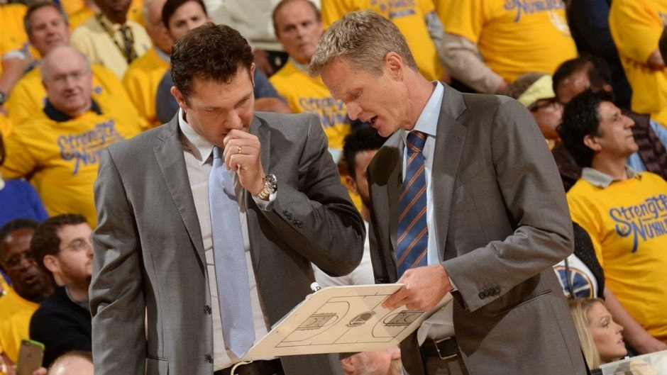 OAKLAND, CA - APRIL 27: Steve Kerr and Luke Walton of the Golden State Warriors draw up plays in Game Five of the Western Conference Quarterfinals against the Houston Rockets during the 2016 NBA Playoffs on April 27, 2016 at ORACLE Arena in Oakland, California. NOTE TO USER: User expressly acknowledges and agrees that, by downloading and or using this photograph, user is consenting to the terms and conditions of Getty Images License Agreement. Mandatory Copyright Notice: Copyright 2016 NBAE (Photo by Noah Graham/NBAE via Getty Images)