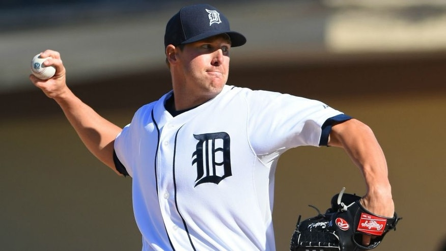 LAKELAND, FL - MARCH 04: Warwick Saupold #27 of the Detroit Tigers pitches during the Spring Training game against the New York Yankees at Joker Marchant Stadium on March 4, 2016 in Lakeland, Florida. The Tigers defeated the Yankees 3-0. (Photo by Mark Cunningham/MLB Photos via Getty Images)