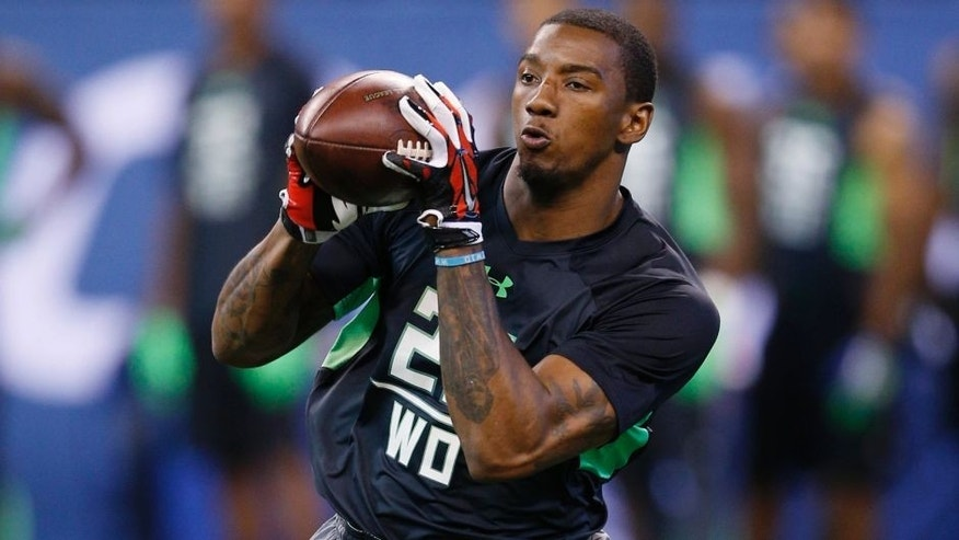 INDIANAPOLIS, IN - FEBRUARY 27: Wide receiver Malcolm Mitchell of Georgia in action during the 2016 NFL Scouting Combine at Lucas Oil Stadium on February 27, 2016 in Indianapolis, Indiana. (Photo by Joe Robbins/Getty Images)