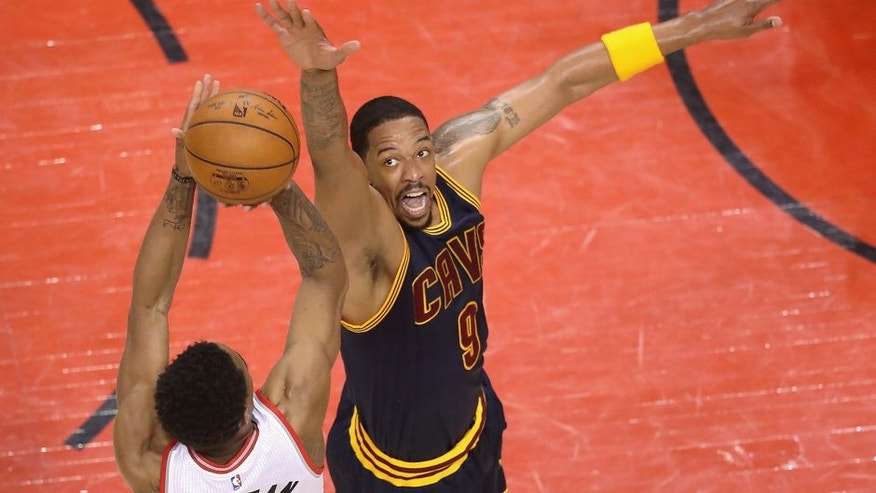 TORONTO, ON - MAY 21: Channing Frye #9 of the Cleveland Cavaliers defends a shot by DeMar DeRozan #10 of the Toronto Raptors during the second half in game three of the Eastern Conference Finals during the 2016 NBA Playoffs at Air Canada Centre on May 21, 2016 in Toronto, Canada. (Photo by Tom Szczerbowski/Getty Images)