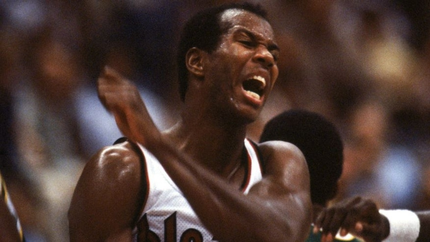 (UNDATED): Kermit Washington #42 of the Portland Trail Blazers reacts during a game against the Seattle SupersSonics circa 1979-1982. (Photo by Andy Hayt/Getty Images) *** Local Caption *** Kermit Washington,(UNDATED): Kermit Washington #42 of the Portland Trail Blazers reacts during a game against the Seattle SupersSonics circa 1979-1982. (Photo by Andy Hayt/Getty Images)