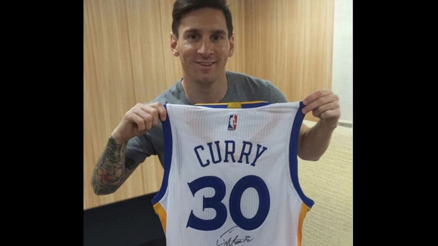 Steph Curry and Lionel Messi have exchanged jerseys, and now Messi wants to meet up with his NBA idol.