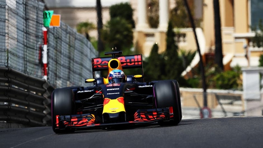 MONTE-CARLO, MONACO - MAY 28: Daniel Ricciardo of Australia driving the (3) Red Bull Racing Red Bull-TAG Heuer RB12 TAG Heuer on track during final practice ahead of the Monaco Formula One Grand Prix at Circuit de Monaco on May 28, 2016 in Monte-Carlo, Monaco. (Photo by Mark Thompson/Getty Images)