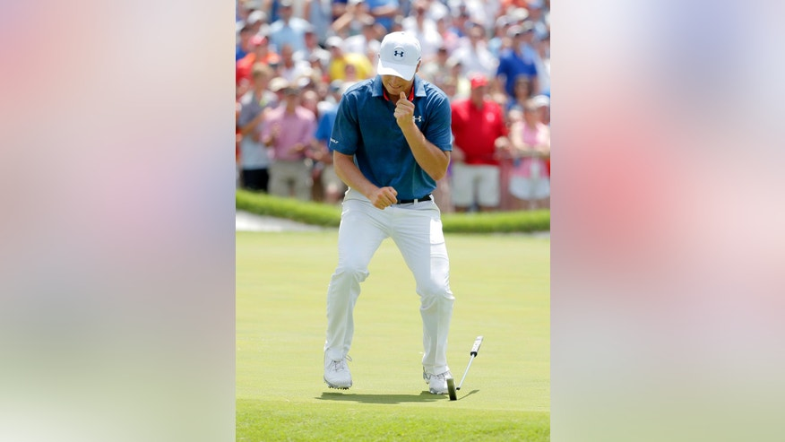 Jordan Spieth drops his putter after missing a putt for birdie on the ninth green during the final round of the Dean & DeLuca Invitational golf tournament at Colonial, Sunday, May 29, 2016, in Fort Worth, Texas. (AP Photo/Tony Gutierrez)