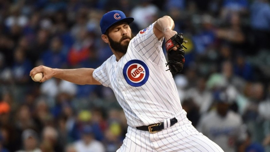 <p>CHICAGO, IL - MAY 31: Jake Arrieta #49 of the Chicago Cubs pitches against the Los Angeles Dodgers during the first inning on May 31, 2016 at Wrigley Field in Chicago, Illinois. (Photo by David Banks/Getty Images)</p>