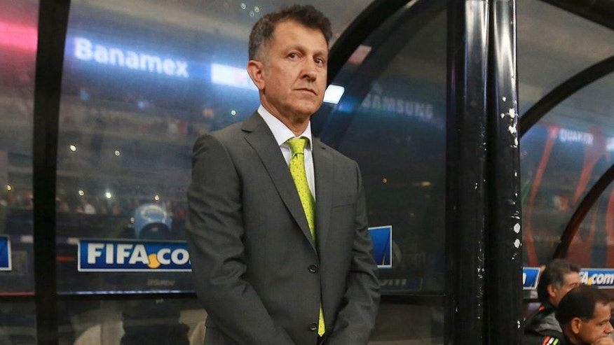 MEXICO CITY, MEXICO - NOVEMBER 13: Juan Carlos Osorio coach of Mexico looks on during the match between Mexico and El Salvador as part of the 2018 FIFA World Cup Qualifiers at Azteca Stadium on November 13, 2015 in Mexico City, Mexico. (Photo by Hector Vivas/LatinContent/Getty Images)