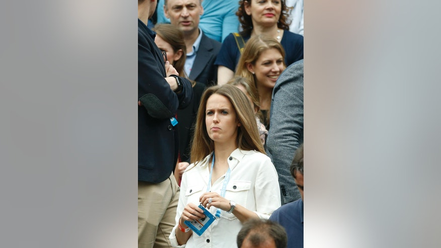 Andy Murray 's wife Kim Sears is pictured before the final match of the French Open tennis tournament opposing Serbia's Novak Djokovic to Britain's Andy Murray at the Roland Garros stadium, Sunday, June 5, 2016 in Paris.  (AP Photo/Alastair Grant)