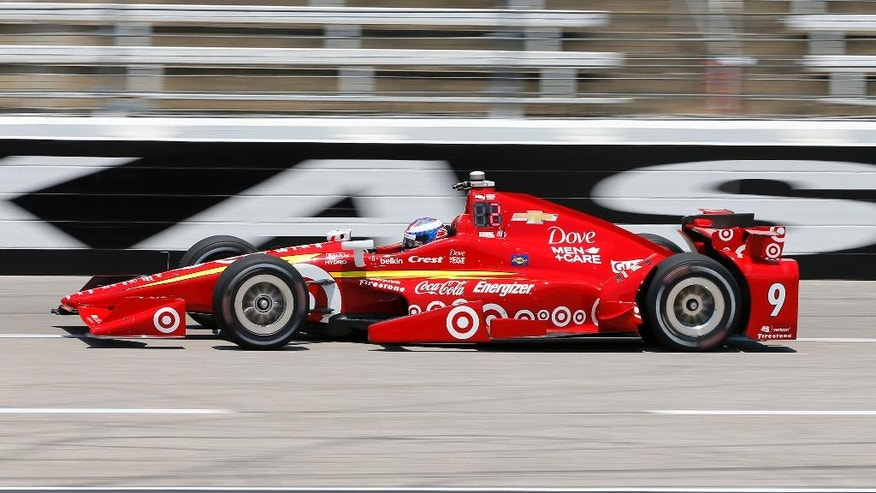 Scott Dixon of New Zealand heads down the front stretch during an Indycar auto racing practice at Texas Motor Speedway , Friday, June 10, 2016, in Fort Worth, Texas. (AP Photo/Tony Gutierrez)