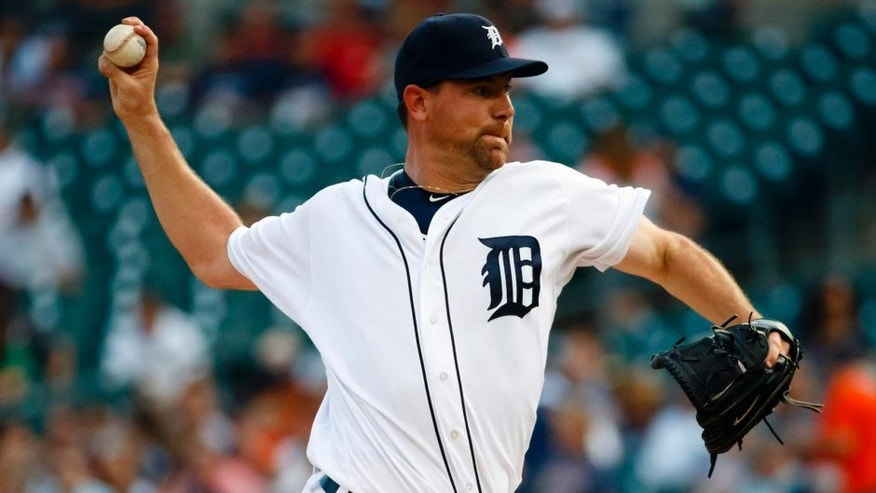 Jun 20, 2016; Detroit, MI, USA; Detroit Tigers starting pitcher Mike Pelfrey (37) pitches in the first inning against the Seattle Mariners at Comerica Park. Mandatory Credit: Rick Osentoski-USA TODAY Sports