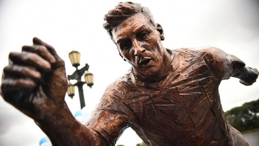 BUENOS AIRES, ARGENTINA - JUNE 28: Detail of Lionel Messi statue at Paseo de la Gloria on June 28, 2016 in Buenos Aires, Argentina. Lionel Messi has announced his retirement from international football following a loss in Copa America final match against Chile. (Photo by Amilcar Orfali/LatinContent/Getty Images)