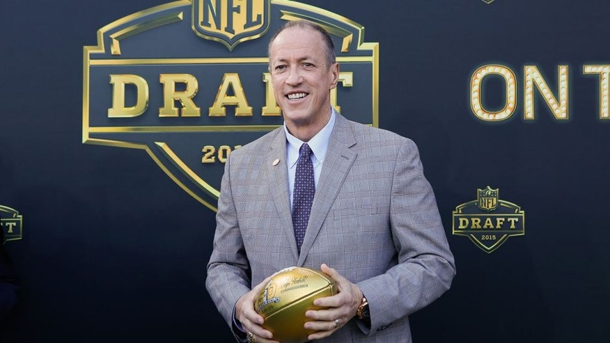 CHICAGO, IL - APRIL 30: Jim Kelly, former QB of the Buffalo Bills arrives on the gold carpet for the first round of the 2015 NFL Draft at the Auditorium Theatre of Roosevelt University on April 30, 2015 in Chicago, Illinois. (Photo by Kena Krutsinger/Getty Images)