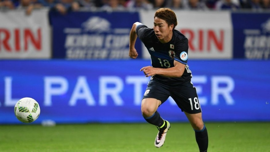 SUITA, JAPAN - JUNE 07: Takuma Asano #18 of Japan in action during the international friendly match between Japan and Bosnia And Herzegovina at the Suita City Football Stadium on June 7, 2016 in Suita, Osaka, Japan. (Photo by Masashi Hara/Getty Images)
