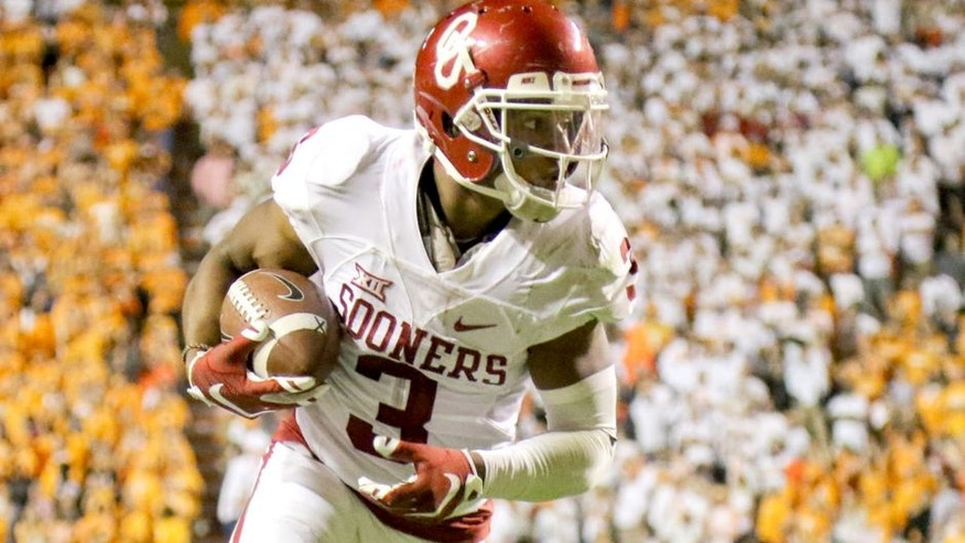 Sep 12, 2015; Knoxville, TN, USA; Oklahoma Sooners wide receiver Sterling Shepard (3) scores the winning touchdown in double overtime against the Tennessee Volunteers at Neyland Stadium. Oklahoma won in double overtime 31-24. Mandatory Credit: Randy Sartin-USA TODAY Sports