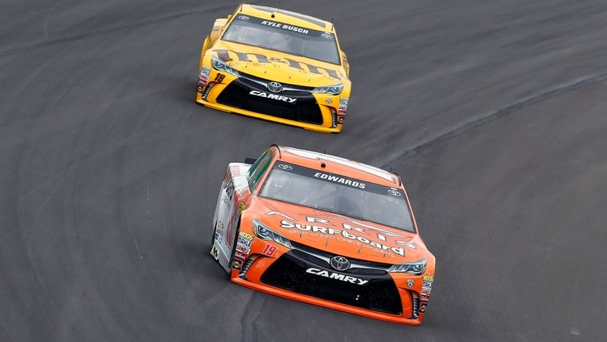 7-9 July, 2016, Sparta, Kentucky USA Carl Edwards, ARRIS Surfboard Toyota Camry and Kyle Busch, M&M's 75th Anniversary Toyota Camry ©2016, Russell LaBounty LAT Photo USA