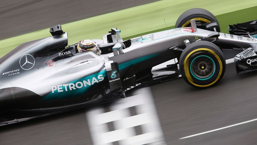 Silverstone, Northamptonshire, UK Saturday 09 July 2016. Lewis Hamilton, Mercedes F1 W07 Hybrid. World Copyright: Andrew Ferraro/LAT Photographic ref: Digital Image _FER1187