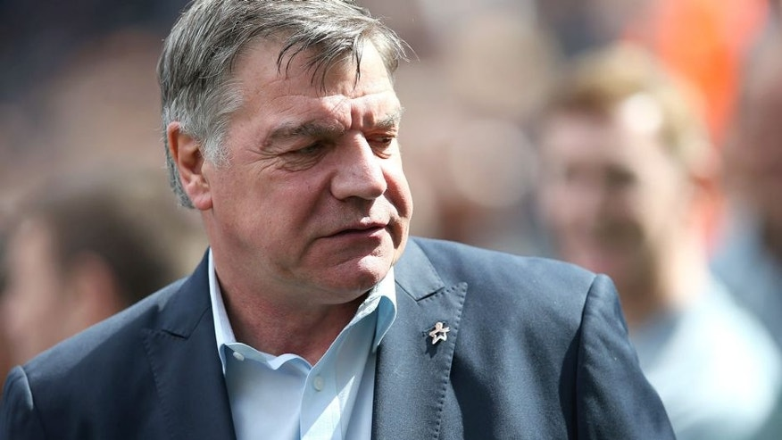 West Ham United's English manager Sam Allardyce looks on ahead of the English Premier League football match between Newcastle United and West Ham United at St James Park, Newcastle-Upon-Tyne, north east England on May 24, 2015. Allardyce's contract will not be renewed, the club announced shortly after the game, which Newcastle won the game 2-0 to avoid relegation. AFP PHOTO / IAN MACNICOL RESTRICTED TO EDITORIAL USE. NO USE WITH UNAUTHORIZED AUDIO, VIDEO, DATA, FIXTURE LISTS, CLUB/LEAGUE LOGOS OR LIVE SERVICES. ONLINE IN-MATCH USE LIMITED TO 45 IMAGES, NO VIDEO EMULATION. NO USE IN BETTING, GAMES OR SINGLE CLUB/LEAGUE/PLAYER PUBLICATIONS. (Photo credit should read Ian MacNicol/AFP/Getty Images)