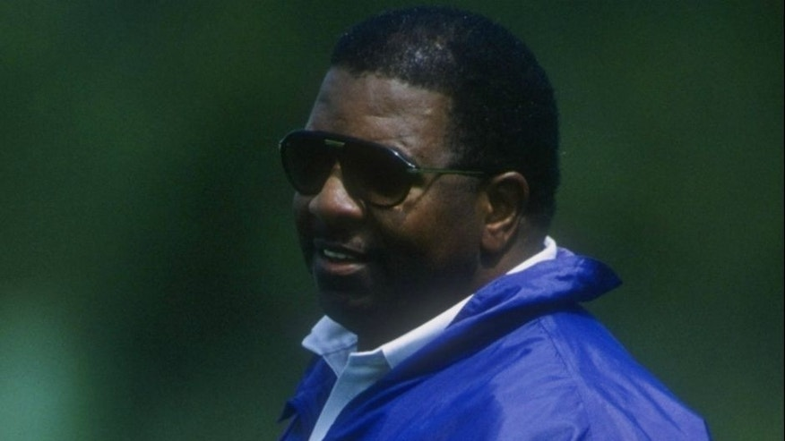 4 Jun 1998: Coach Dennis Green of the Minnesota Vikings looking on during Pre-Season Camp in Minneapolis, Minnesota. Mandatory Credit: Matthew Stockman /Allsport