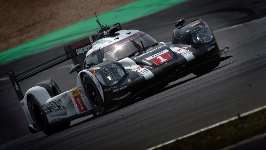 2016 FIA World Endurance Championship, Nurburgring, Germany. 22nd-24th July 2016, Timo Bernhard / Mark Webber / Brendon Hartley - Porsche 919 Hybrid World Copyright. Jakob Ebrey/LAT Photographic