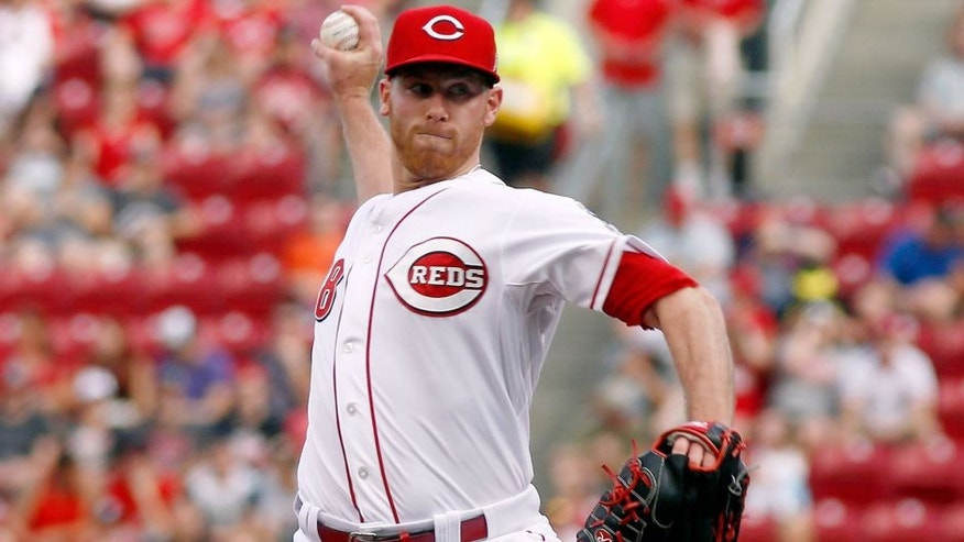 May 29, 2015; Cincinnati, OH, USA; Cincinnati Reds starting pitcher Anthony DeSclafani throws against the Washington Nationals in the first inning at Great American Ball Park. Mandatory Credit: David Kohl-USA TODAY Sports