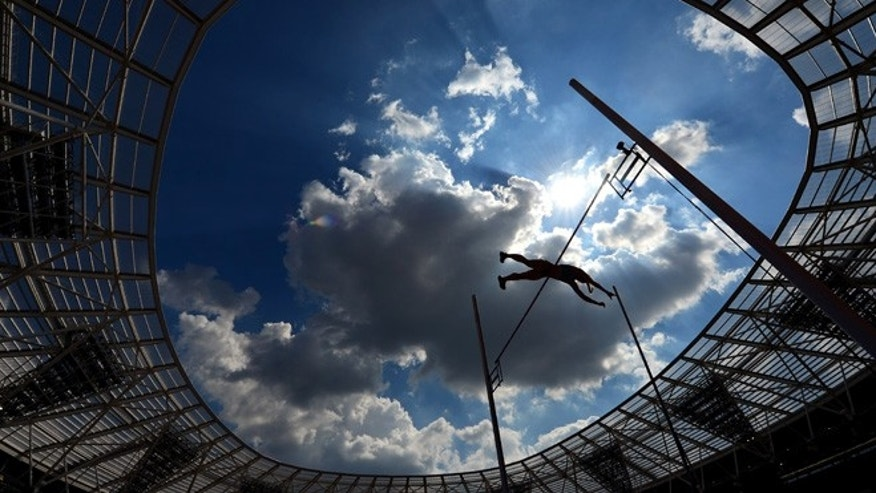 LONDON, ENGLAND - JULY 23:  Michaela Meijer of Sweden competes in the Women's Pole Vault during Day Two of the Muller Anniversary Games at The Stadium - Queen Elizabeth Olympic Park on July 23, 2016 in London, England.  (Photo by Dan Mullan/Getty Images)